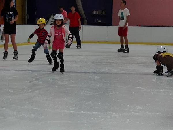 調整大小20130911北極熊滑冰世界 005.JPG