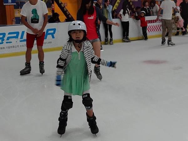 調整大小20130911北極熊滑冰世界 016.JPG