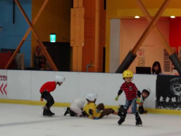 調整大小20130911北極熊滑冰世界 034.JPG