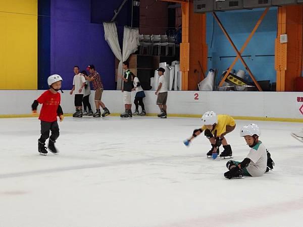 調整大小20130911北極熊滑冰世界 036.JPG
