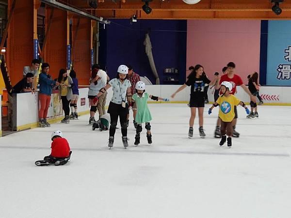 調整大小20130911北極熊滑冰世界 040.JPG
