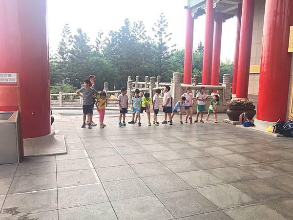 20180611 戲劇院折返跑與年級數跳繩 036.jpg