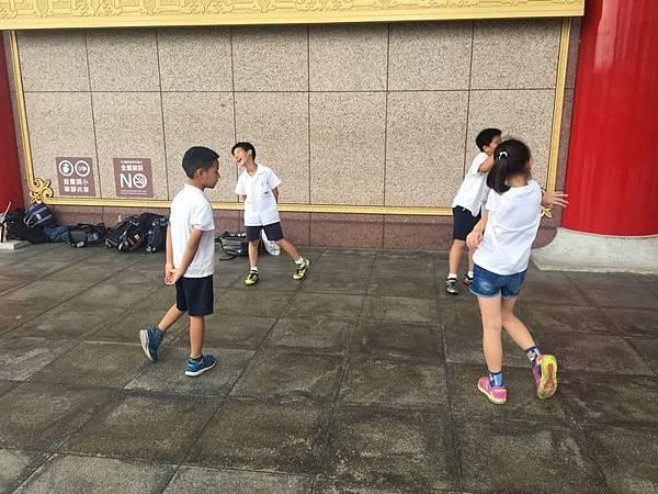20180611 戲劇院折返跑與年級數跳繩 041.jpg