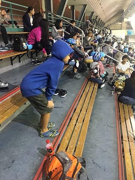 20180829 調整座位與換新紗網、小巨蛋溜冰刀 024.jpg