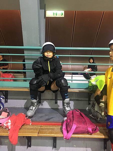 20180829 調整座位與換新紗網、小巨蛋溜冰刀 037.jpg
