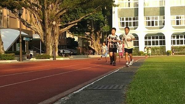 20181001 好漢坡與北市大跑步 010.jpg