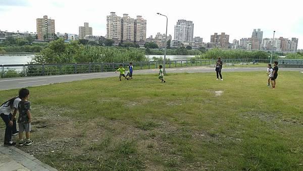 20181003 市圖找旅遊景點與河濱大地遊戲 010.jpg