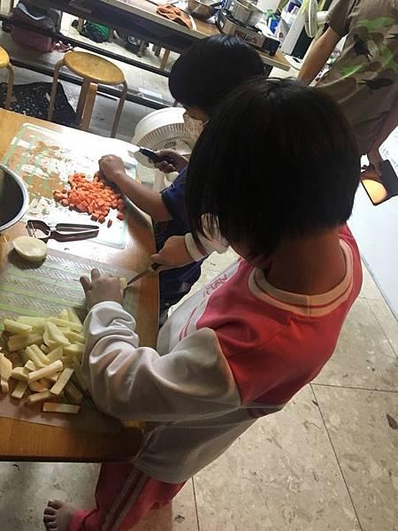 20181004 烹煮玉米濃湯 004.jpg