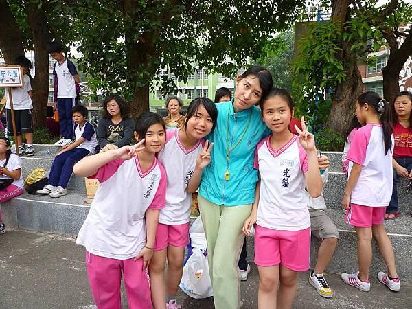 劉慧君、張惠娟、我、老師(李雅雪)