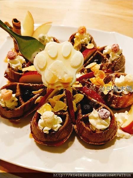 [食記/嘉義]米作咖啡輕食~闔家用餐貓掌鬆餅可愛滿點