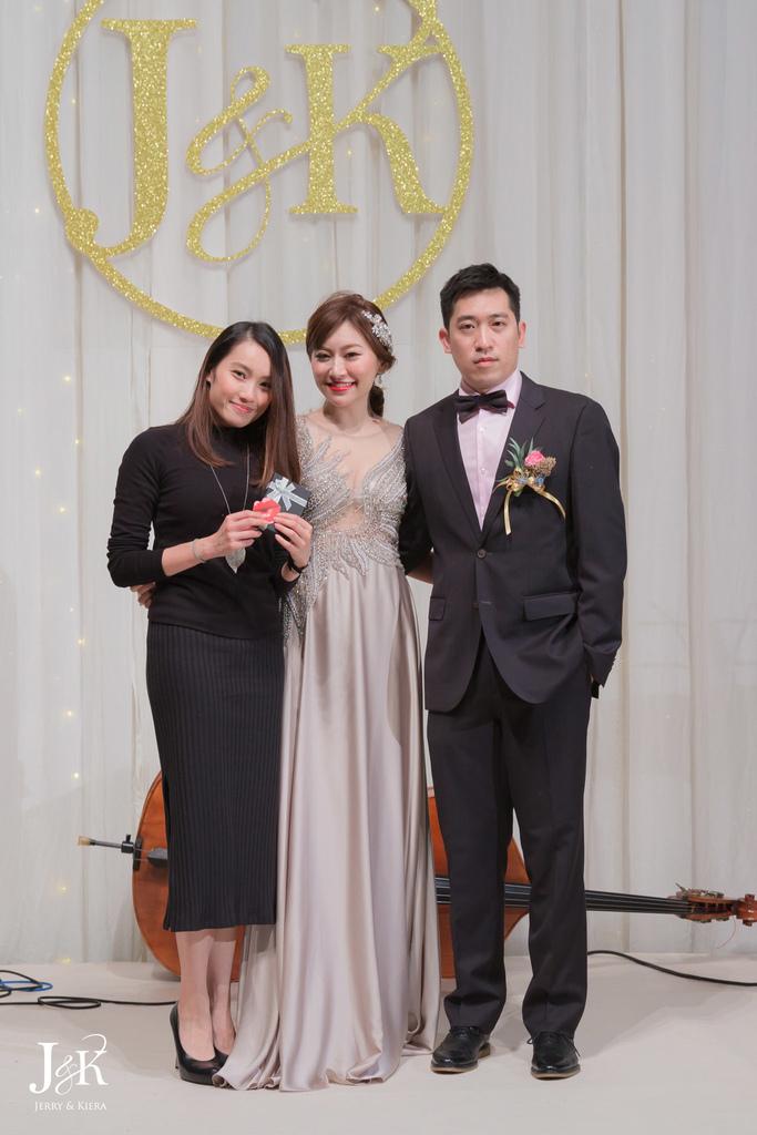 wedding216.jpg