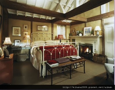 iris-bedroom-the-holiday.jpg
