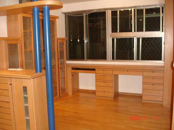 電話櫃與書房3.JPG