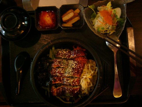 鰻魚石鍋拌飯 今日特價220