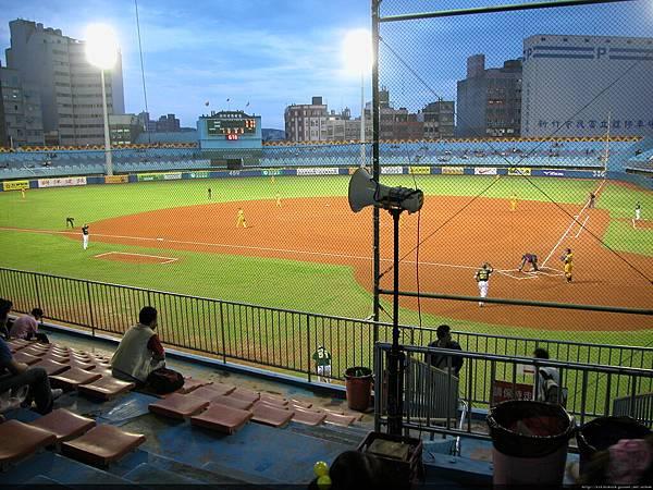 新竹棒球場!
