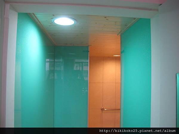 IM 泥作工程 高亮釉瓷磚浴室G_8203