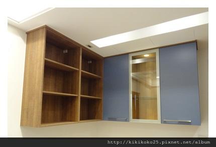 吊櫃 收納櫃 翔富室內裝潢.JPG
