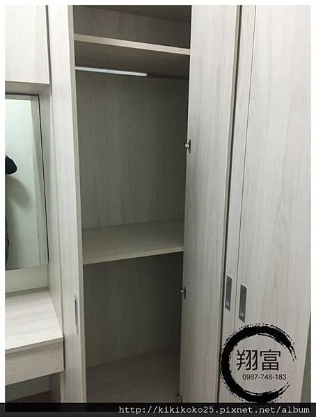 4 翔富裝潢 系統櫥櫃 衣櫃 轉角櫃.JPG