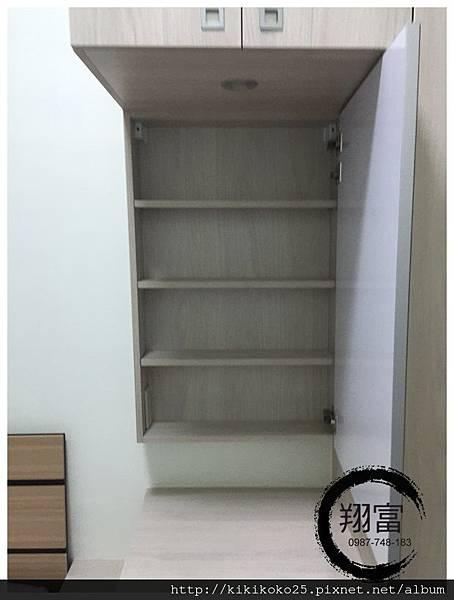 8 翔富裝潢 系統櫥櫃 衣櫃 轉角櫃 化妝台 格抽.JPG