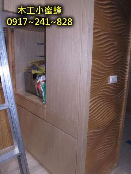 6 木作裝潢 包柱子置物櫃.jpg