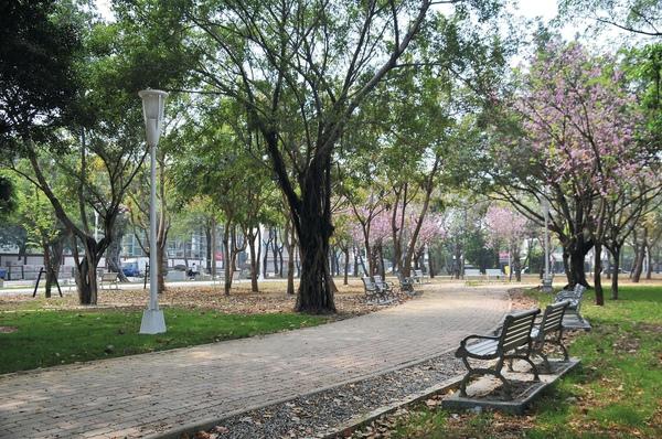 前鎮區_興仁公園改造.jpg
