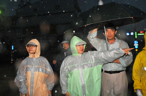 0919市長巡視澄清路與義華路淹水路段_1