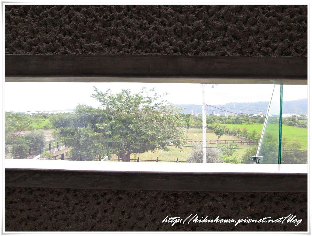 2F長廊觀景窗.JPG