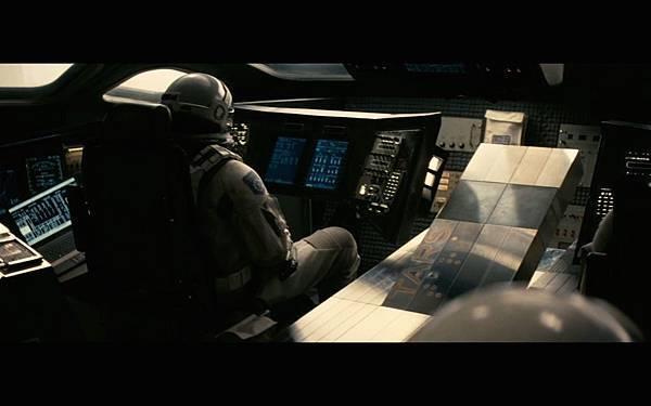 interstellar-screenshot-tars