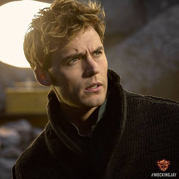 The-Hunger-Games-Mockingjay-Part-1-Sam-Claflin