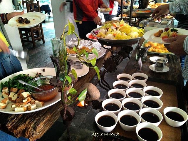 藍洞義式廚房@紅磚屋內的微妙空間 還有豐盛的自助式沙拉吧 勤美誠品商圈特色餐廳