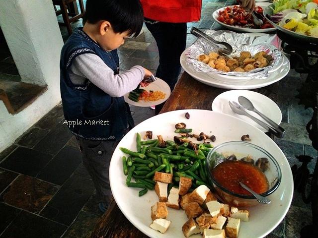 1425212103 1568787743 - 藍洞義式廚房@紅磚屋內的微妙空間 還有豐盛的自助式沙拉吧 勤美誠品商圈特色餐廳