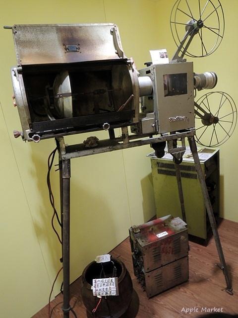 1438170633 1436852548 - 萬代福影城@不只有電影還有館長的私人收藏 為台灣的電影文化貢獻心力 深具傳承歷史的電影文物館