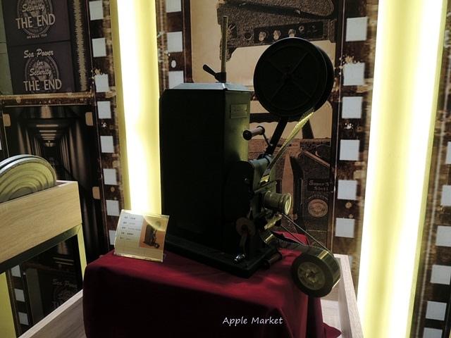 1438170633 1977336157 - 萬代福影城@不只有電影還有館長的私人收藏 為台灣的電影文化貢獻心力 深具傳承歷史的電影文物館