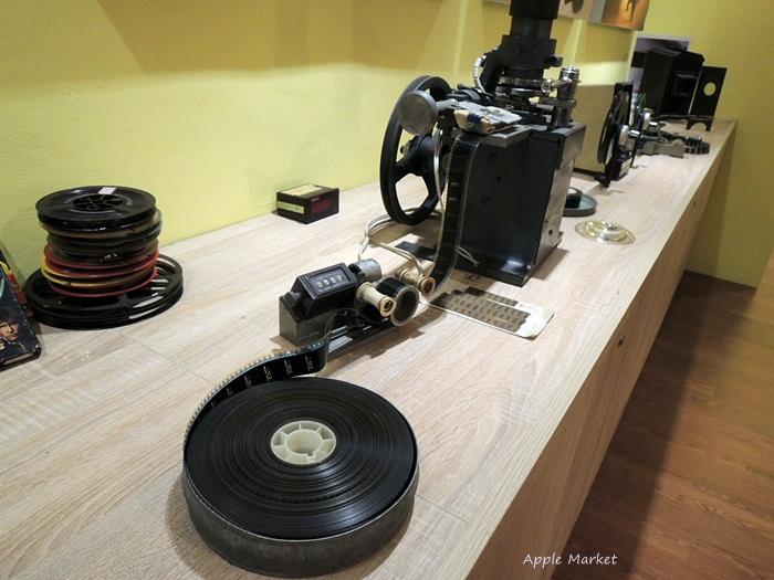 1438170633 3506169811 - 萬代福影城@不只有電影還有館長的私人收藏 為台灣的電影文化貢獻心力 深具傳承歷史的電影文物館