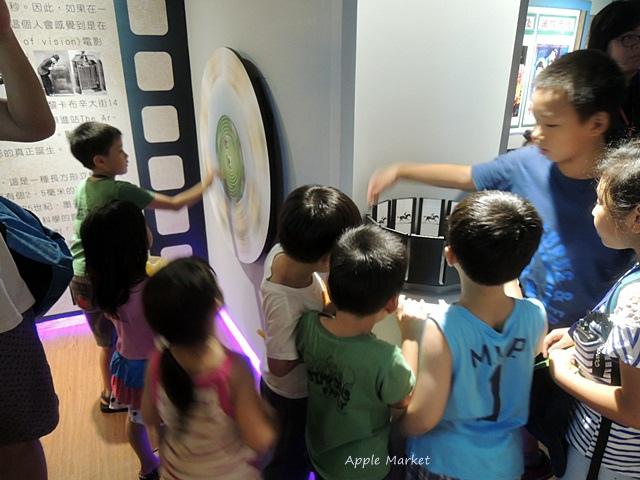1438170633 420523552 - 萬代福影城@不只有電影還有館長的私人收藏 為台灣的電影文化貢獻心力 深具傳承歷史的電影文物館