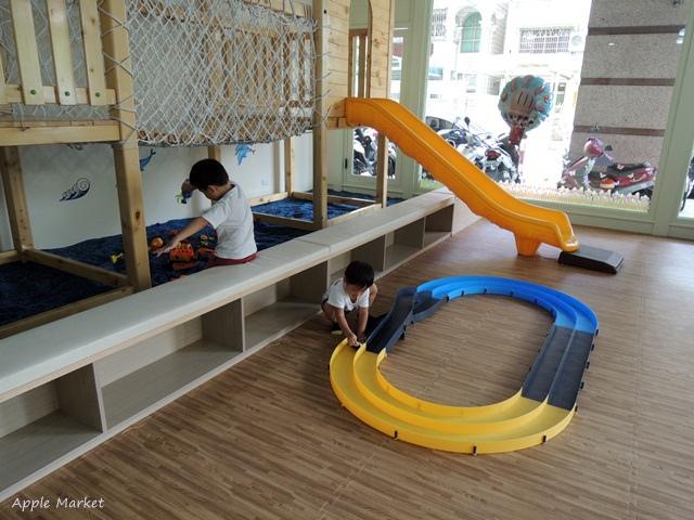 1439393532 1000072417 - 童遊食堂@海洋風格漂亮沙坑 安全的室內親子遊戲區 自助式簡易沙拉吧 平價消費不收服務費(更名怡樂起初)
