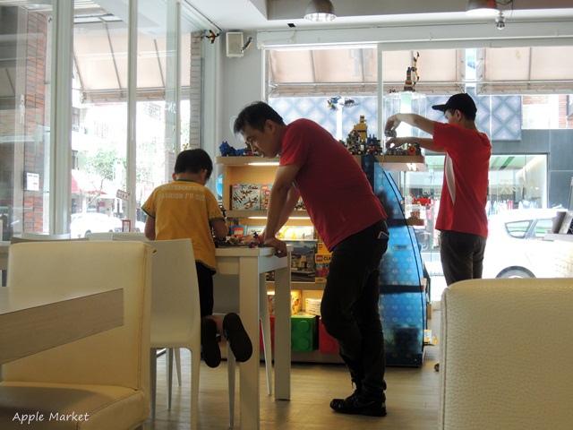 1440768036 1044375965 - 瑪客思廚房@台中親子餐廳推薦 不只有樂高積木可以玩 還有樂高積木兒童餐(已歇業)