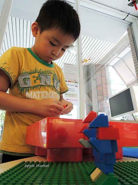 1440768036 1460457562 - 瑪客思廚房@台中親子餐廳推薦 不只有樂高積木可以玩 還有樂高積木兒童餐(已歇業)