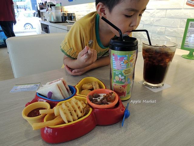 1440768036 337777897 - 瑪客思廚房@台中親子餐廳推薦 不只有樂高積木可以玩 還有樂高積木兒童餐(已歇業)
