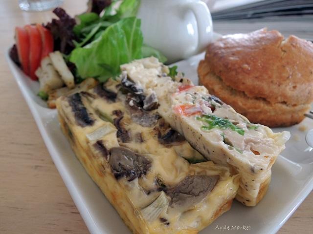 1446385832 2807560679 - Café Paper Flight紙飛機@極簡風氣質小店 簡約早餐盤讓人很喜歡 可以悠閒閱讀 也能輕鬆聊聊(已歇業)