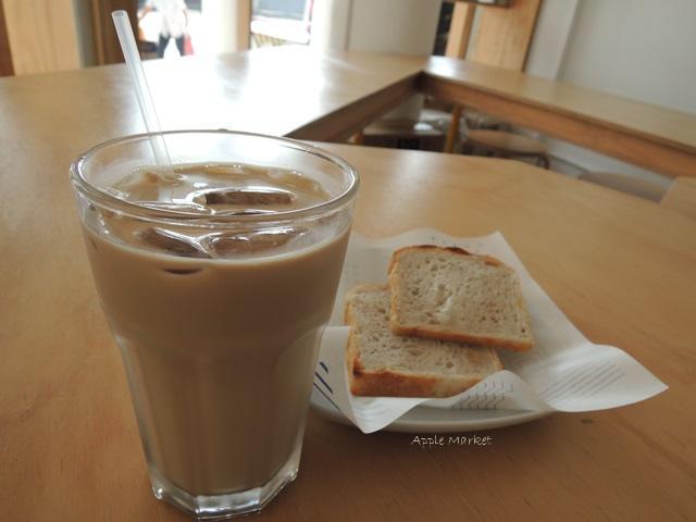 1446385832 351157131 - Café Paper Flight紙飛機@極簡風氣質小店 簡約早餐盤讓人很喜歡 可以悠閒閱讀 也能輕鬆聊聊(已歇業)
