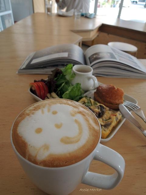 1446385832 3805360567 - Café Paper Flight紙飛機@極簡風氣質小店 簡約早餐盤讓人很喜歡 可以悠閒閱讀 也能輕鬆聊聊(已歇業)