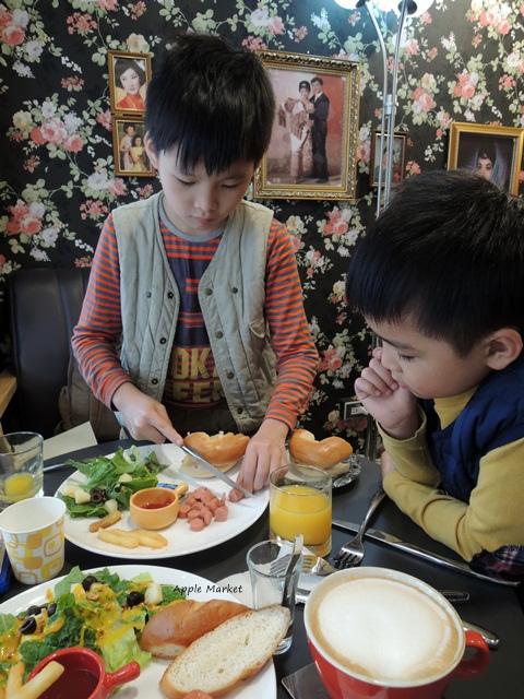 1451788978 3992064965 - 幕比電影主題咖啡@科博館植物園旁平價早午餐 80元起還附沙拉和飲品 上海懷舊風格香港電影黃金時期的主題咖啡館