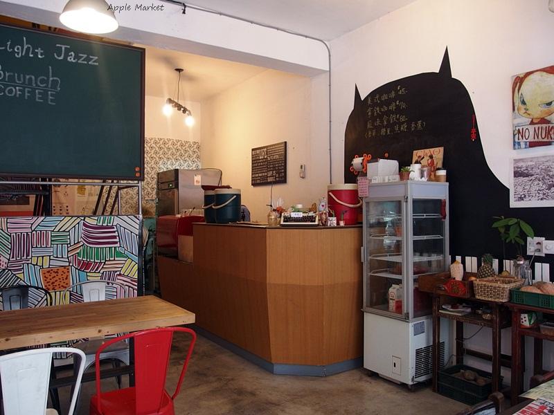 輕爵士Light Jazz@中國醫藥學院商圈早午餐咖啡館 老宅風格 有手工漢堡與麵包 現打新鮮果汁 在地食材好味道