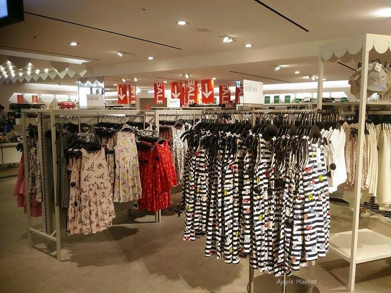 H&M台中中友店@夏季折扣全館三折起 多款當季商品第三件免費 館內特賣50元起 童裝女裝男裝飾品衣帽鞋子包包全面降價好採購