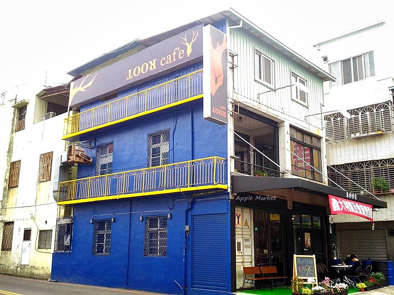Root caf'e(鹿特)@北屯新開張老屋咖啡館 鋼鐵時尚正流行 復古空間混搭貨櫃牆 水湳市場旁