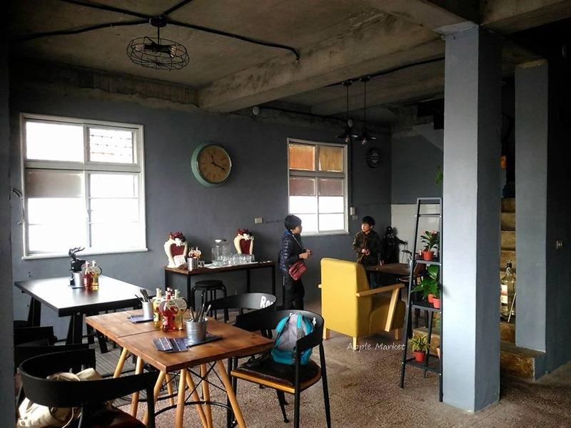 1488204547 714288935 - Root caf'e(鹿特)@北屯新開張老屋咖啡館 鋼鐵時尚正流行 復古空間混搭貨櫃牆 水湳市場旁