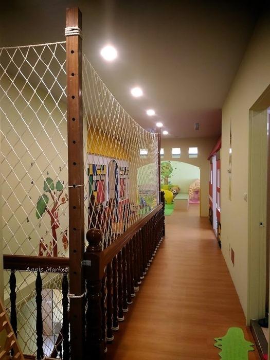 1488329208 3845526389 - 小鳥築巢親善餐廳@北屯新開幕親子餐廳 樹屋球池溜滑梯 漂浮氣球屋 戶外沙坑室內親子遊戲區 空間寬敞備停車場
