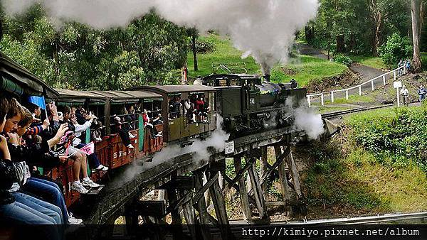 494385-puffing-billy1