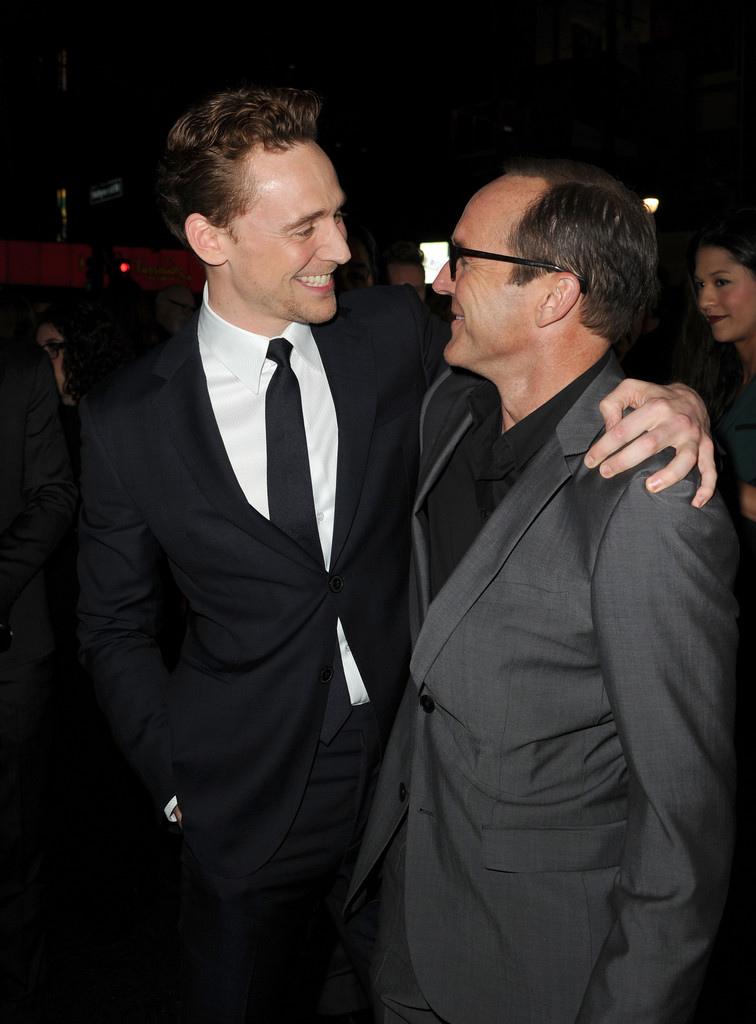 Tom+Hiddleston+Premiere+Marvel+Thor+Dark+World+mkGYjeEkH5jx.jpg